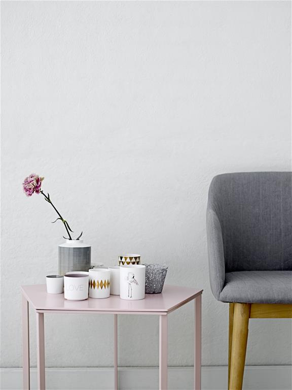 rosa-Beistelltisch-Bloomingville