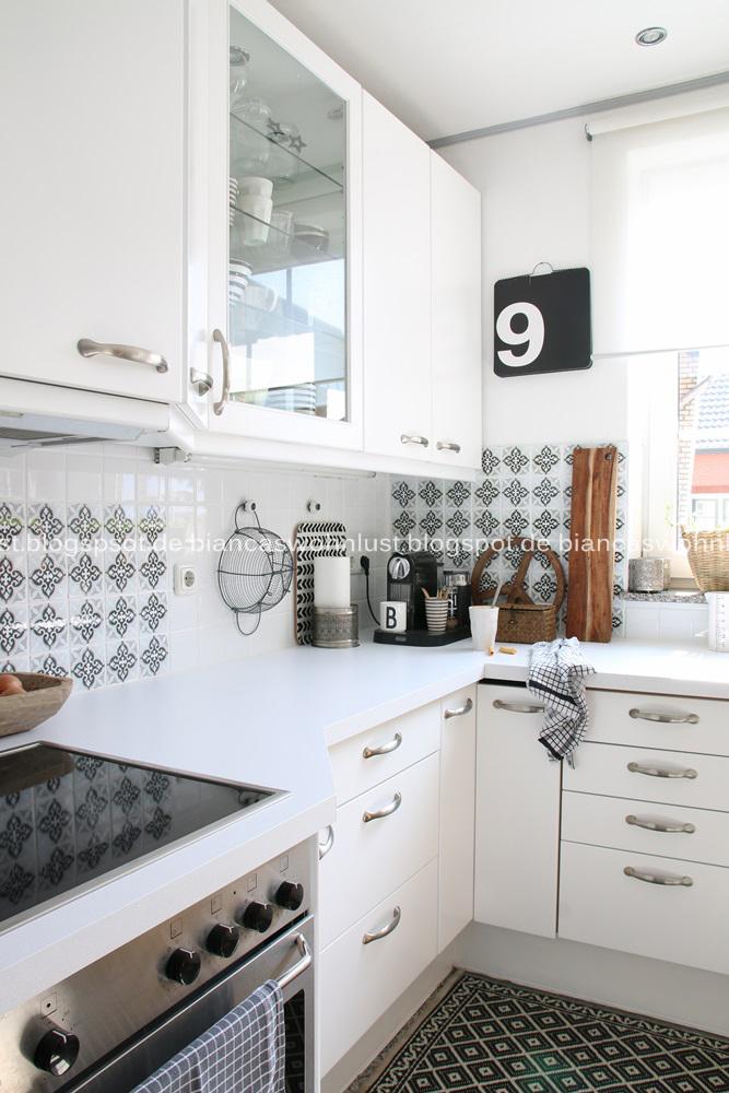 Küche streichen - aus Blau wird Weiss - Wohnkonfetti