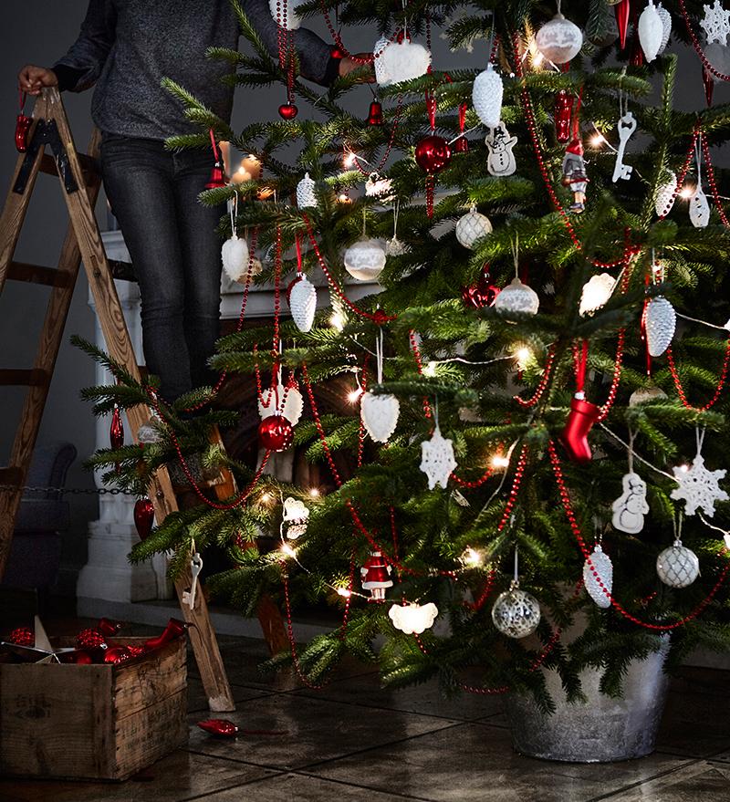 roter-weihnachtsbaumschmuck-ikea