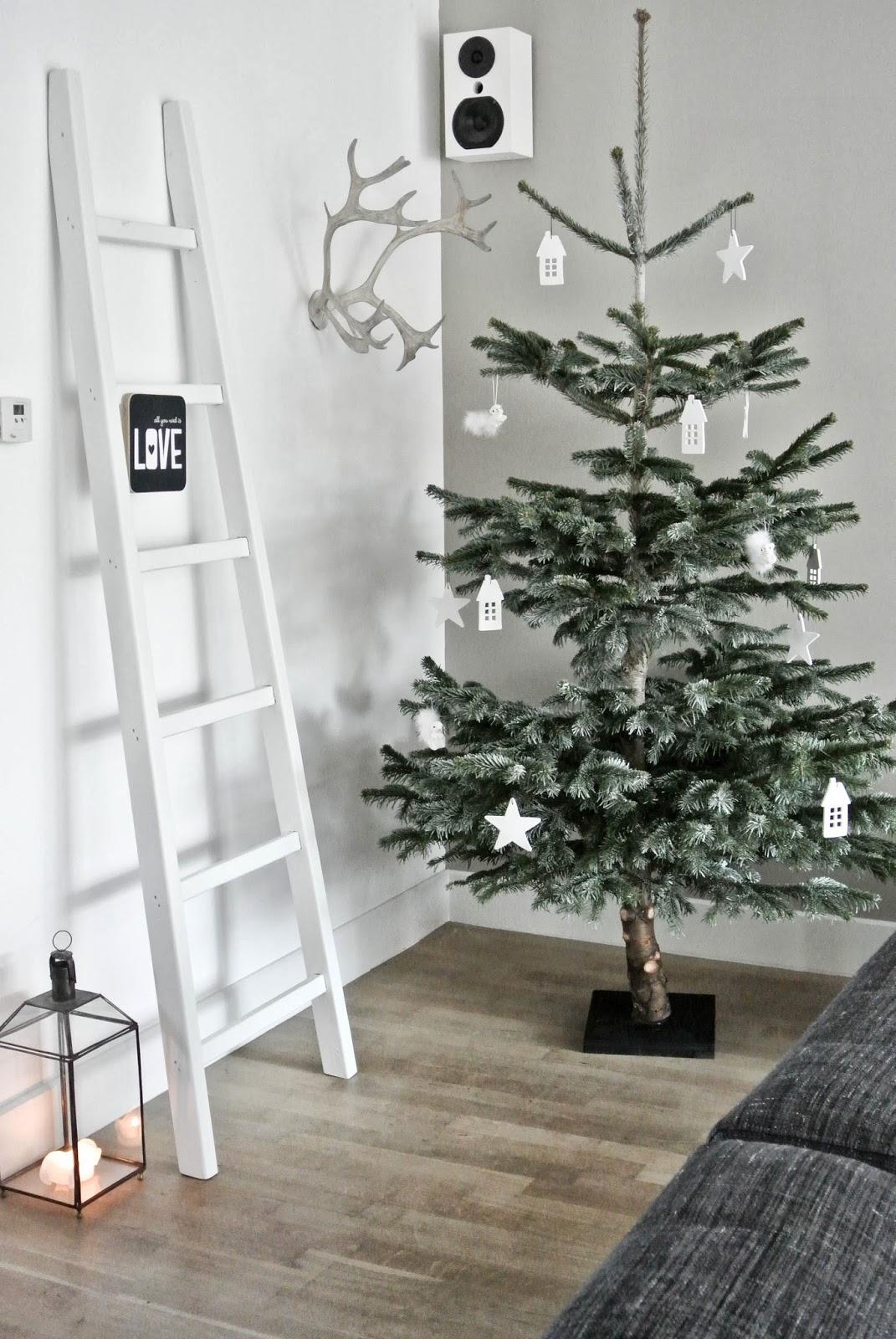 wohnzimmer weihnachtlich dekorieren wohnkonfetti. Black Bedroom Furniture Sets. Home Design Ideas
