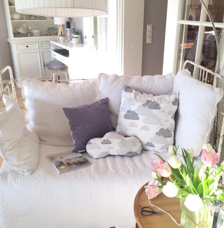 sofa-weisses-eisengestell-shabby