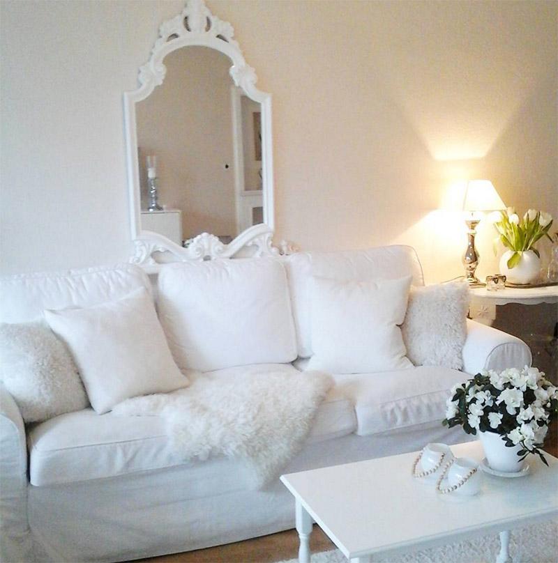 weisses-romantisches-sofa