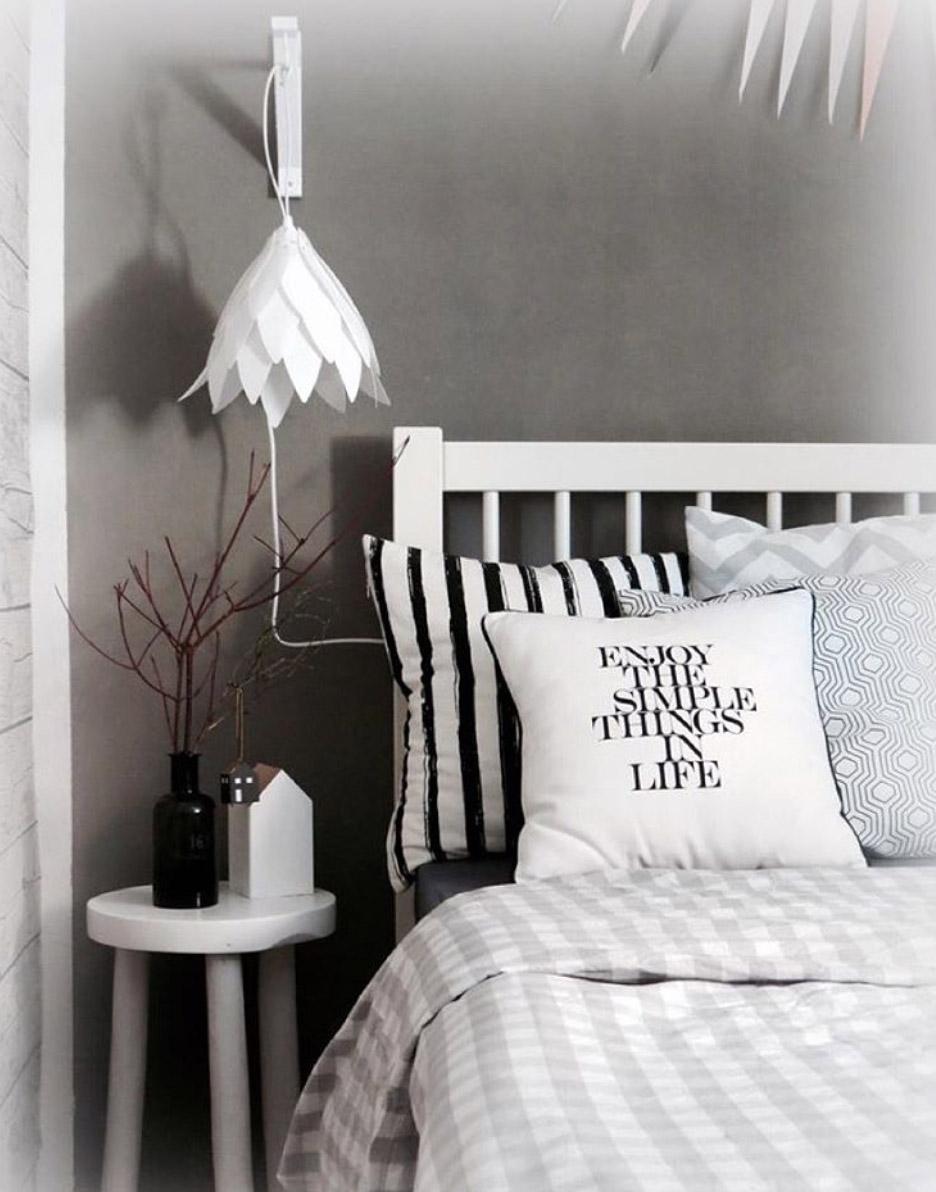 schlafzimmer-ideen-weisses-bett-graue-wand