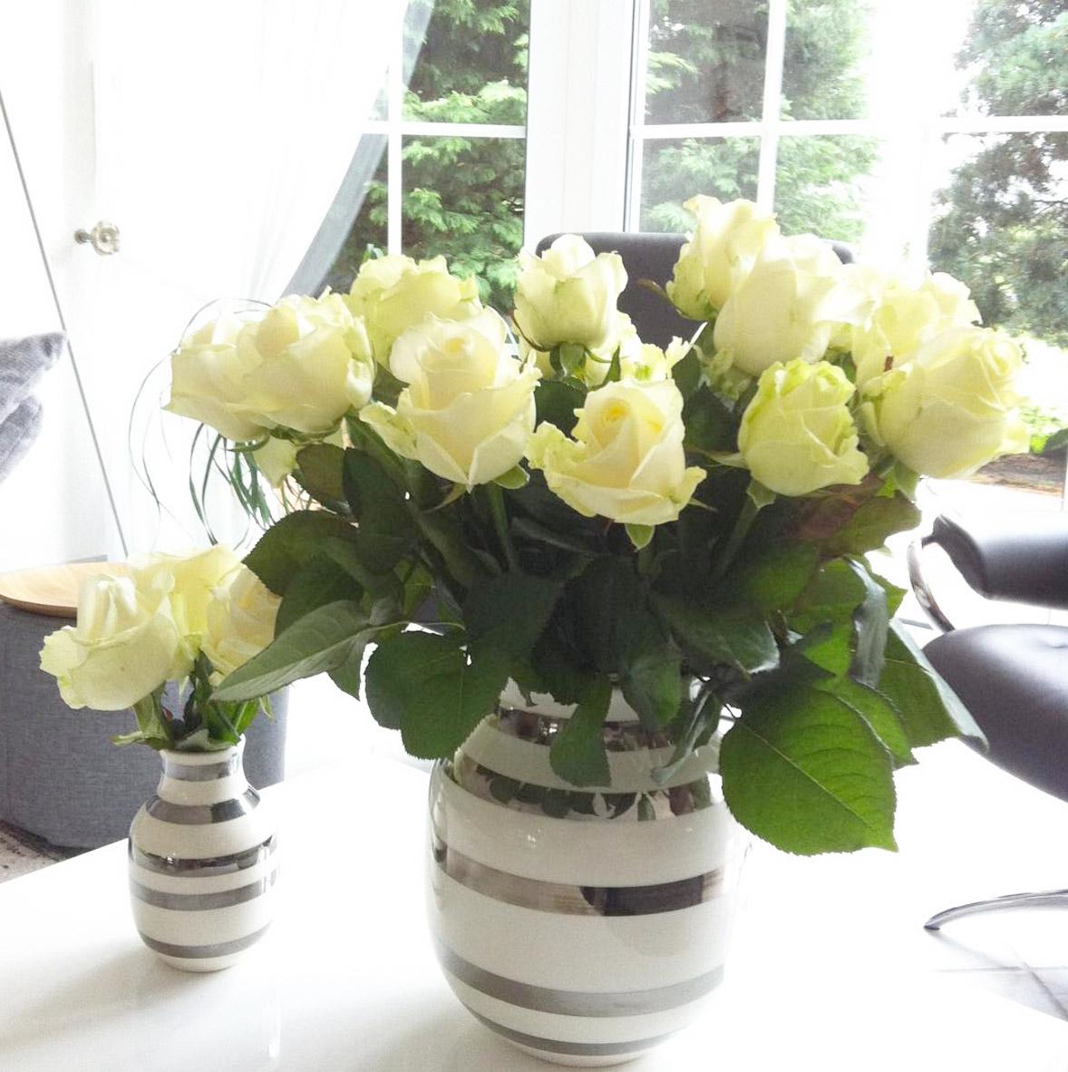 silber-weiss-gestreifte-vase-blog