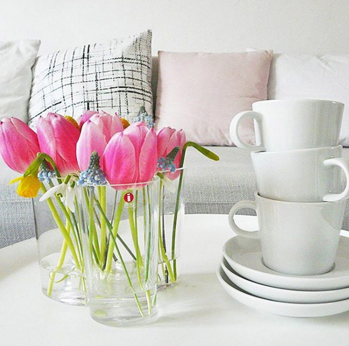 Sch ne dekoideen mit blumen und die sch nsten vasen for Blumen dekorieren im glas
