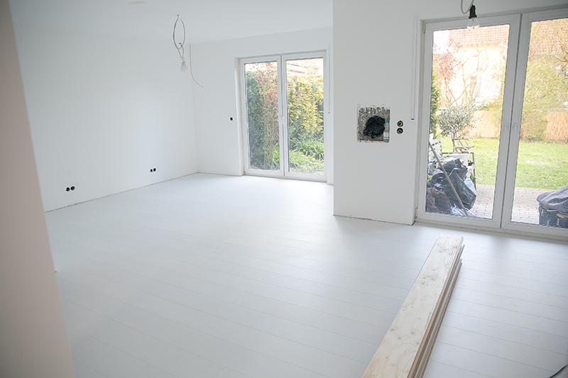 Holzfußboden Weiß Streichen ~ Der weg zum weißen holzboden wohnkonfetti