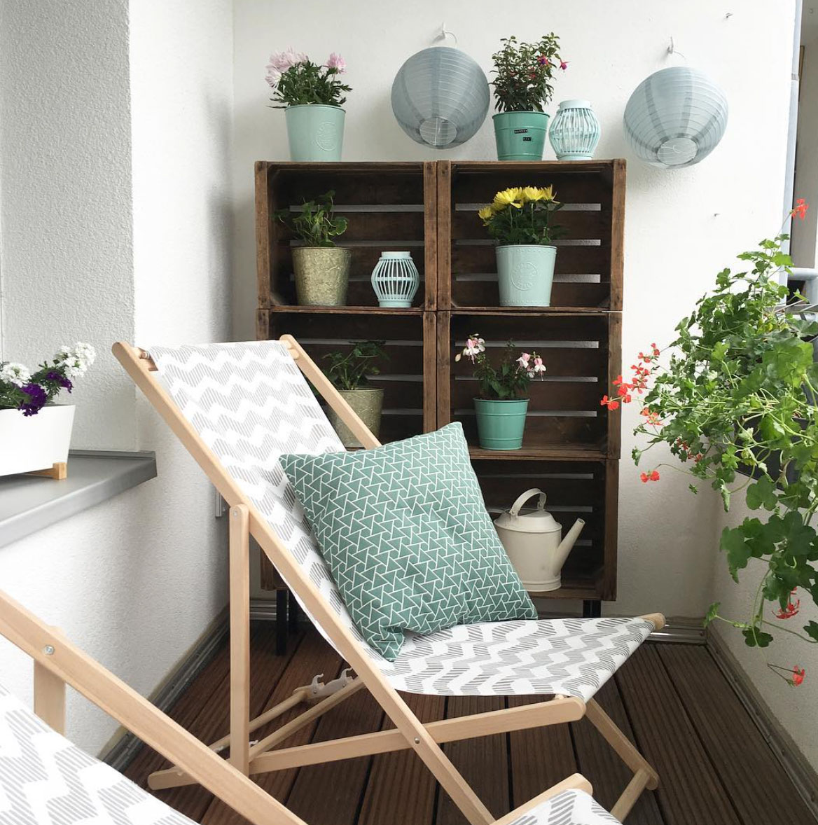 balkonboden gestalten awesome hngenden garten auf balkon gestalten kleingarten bunt grell with. Black Bedroom Furniture Sets. Home Design Ideas