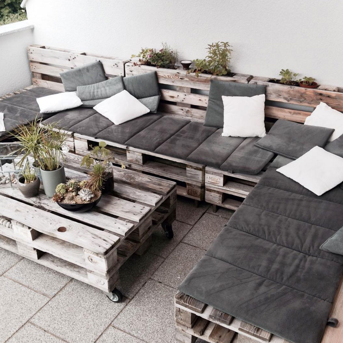 faszinierend terrasse aus europaletten fotos erindzain. Black Bedroom Furniture Sets. Home Design Ideas