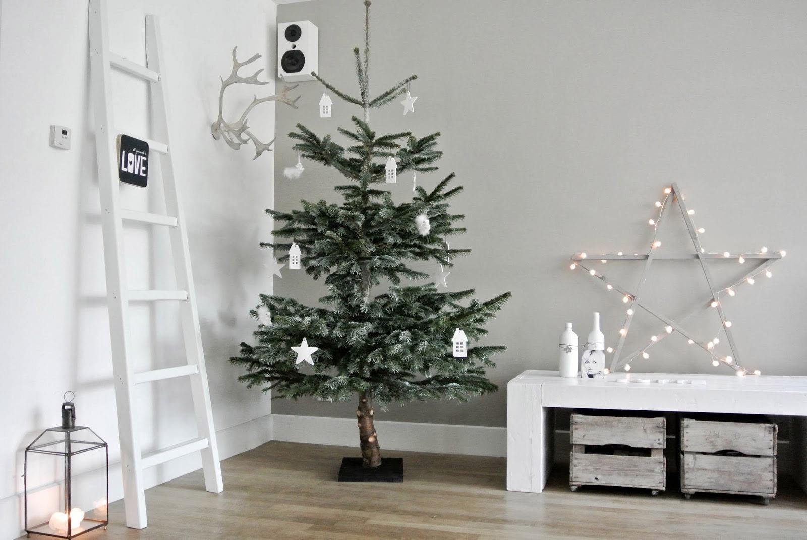Wohnzimmer weihnachtlich dekorieren - Wohnkonfetti