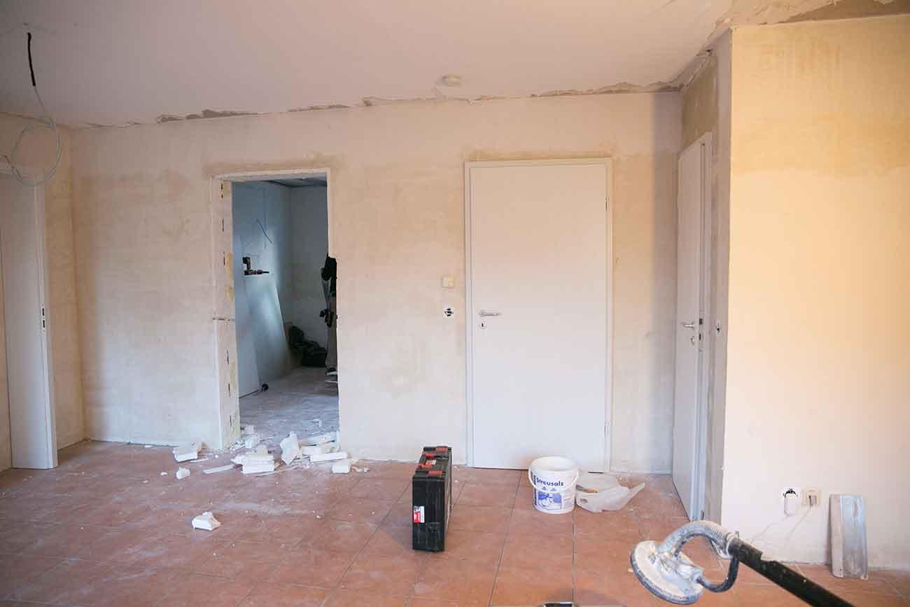 da es aber eine tragende wand ist wre dies nur mit einem sehr groen aufwand mglich gewesen aber so haben wir die tren rausgenommen und die ffnungen - Bild Wohnzimmer Erschrecken